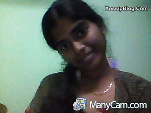 Tamil Girl Shows Boobs in Cam