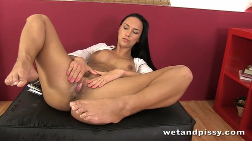Download Wet And Pissy – Victoria Sweet Free