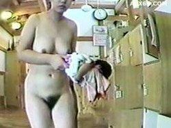 026punyo 1117 Changing room older women No.06083_1