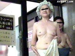 026punyo 1278 Changing room older women No.06116_1