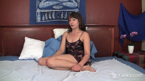 Download Yanks   Lynn M Breaks Vibrator Free