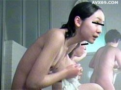 026punyo 1220 Body washig spasce older women No.04065_1