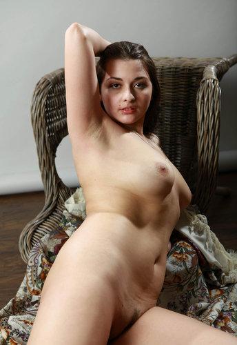 Nangi desi ladki bhabhi aur aunty ki nangi sexy photos