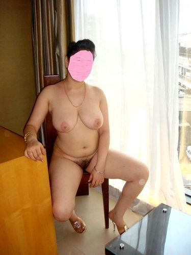 desi bhabhi hairy pussy chut photo