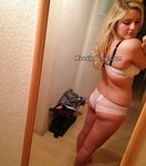 Cute Blonde Teen Selfies Shows Nude
