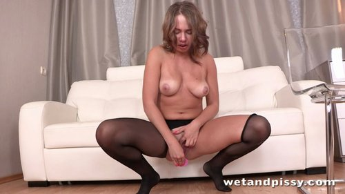 Download Wet And Pissy   Diana Dali Diving Diana PROPER Free