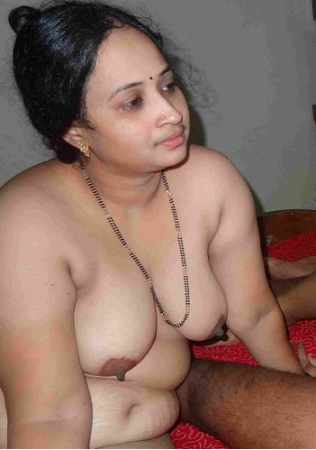 lucky girls club: oriya nude aunty with boss press after ...