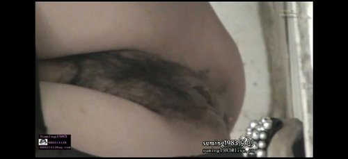 Beautiful korean babe takes show pussy in toilet