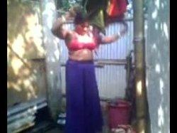 Bathing indian nude aunty