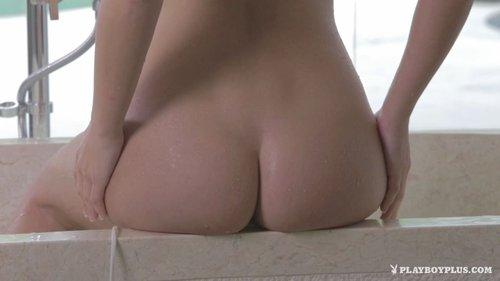 Download Playboy Plus   Larissa Bartolo Breezy Bath Free
