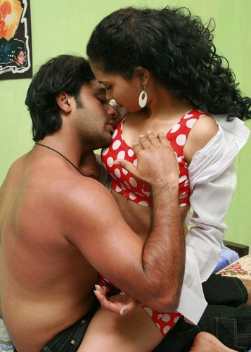 tamil actress from cute reshma breasts sex picture   tamil