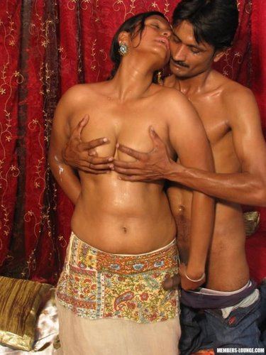 bollywood nude kissing sex